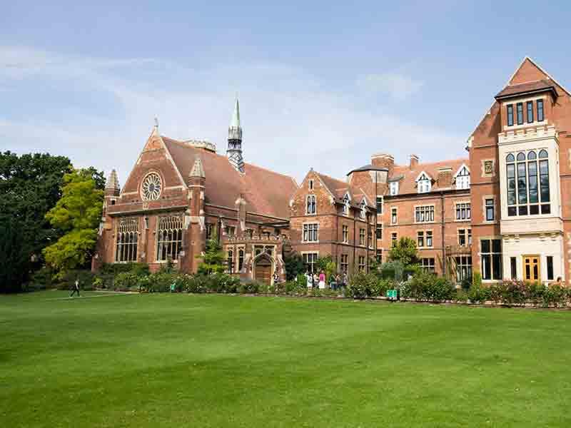 Школа Кембридж Белл,<br/>Великобритания
