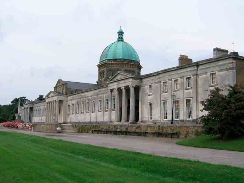 haileybury-school-front